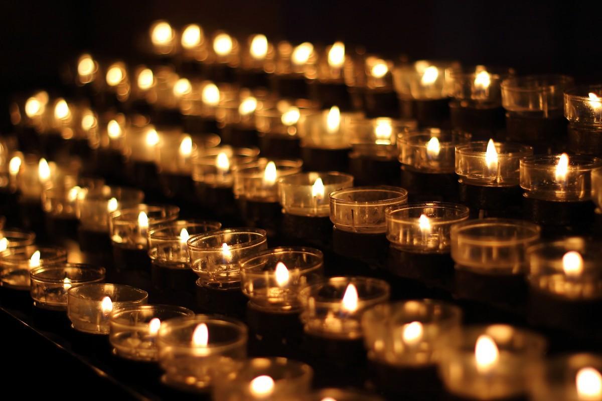 Candlelight Candles Church Prayer Lights Victim Candles Sacrificial Lights Meditation 970849